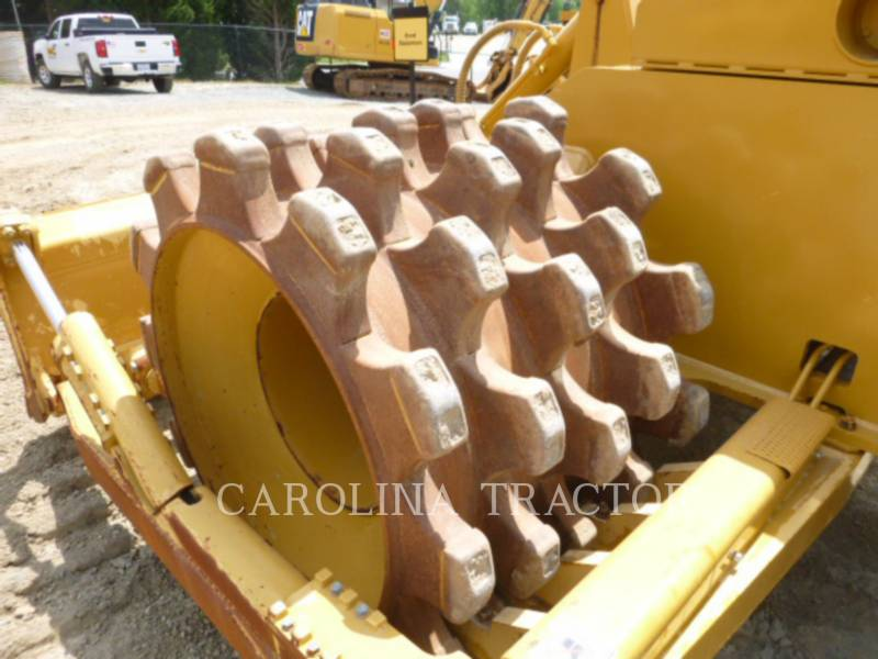 Caterpillar COMPACTOARE 815F2 equipment  photo 10