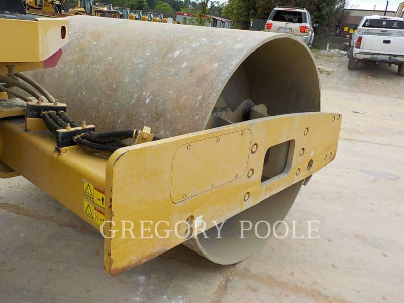CATERPILLAR VIBRATORY SINGLE DRUM SMOOTH CS-54 equipment  photo 20