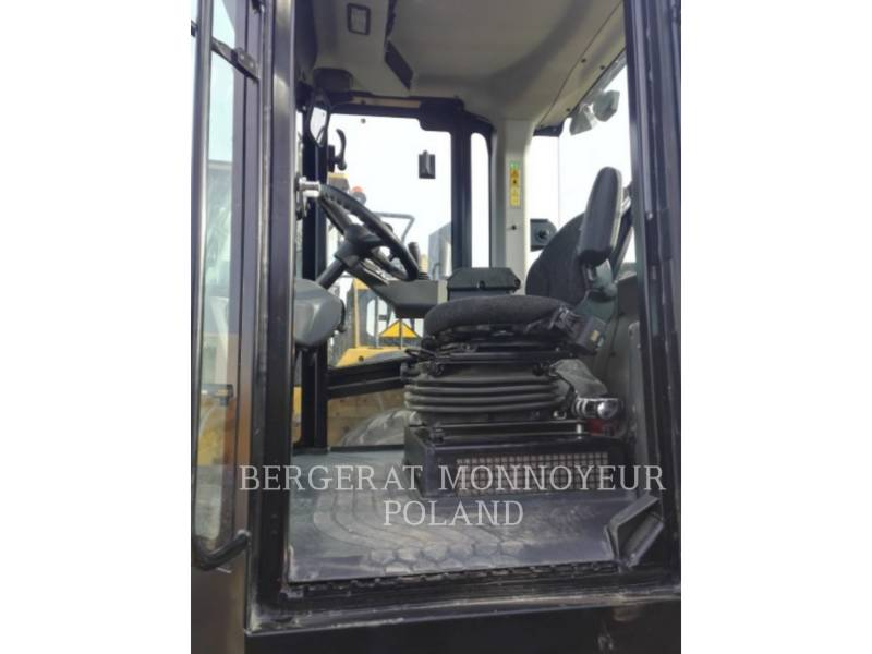 CATERPILLAR COMPACTEURS CS64B equipment  photo 11