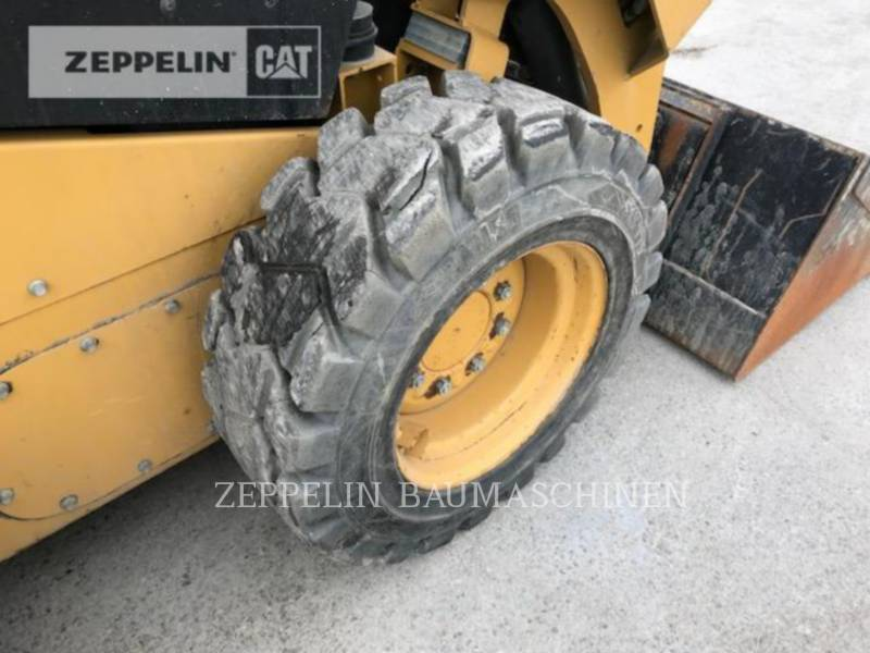 CATERPILLAR CHARGEURS COMPACTS RIGIDES 236D equipment  photo 21