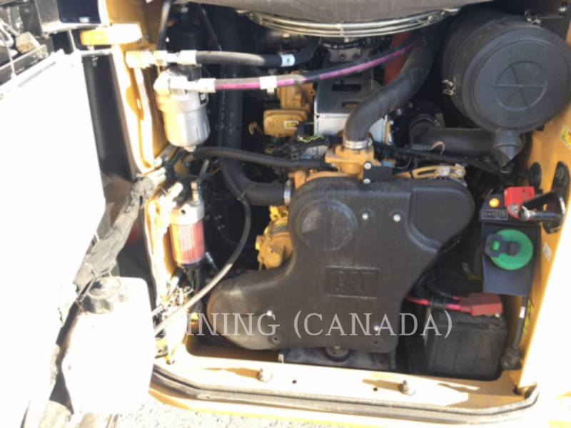 CATERPILLAR MINICARGADORAS 272D2 equipment  photo 9