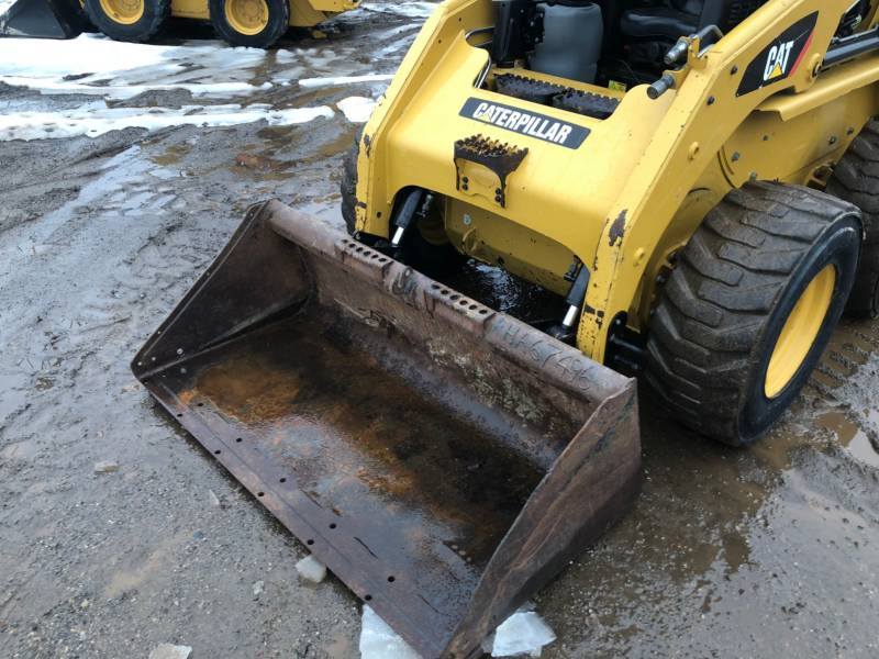 CATERPILLAR CHARGEURS COMPACTS RIGIDES 236B3 equipment  photo 16