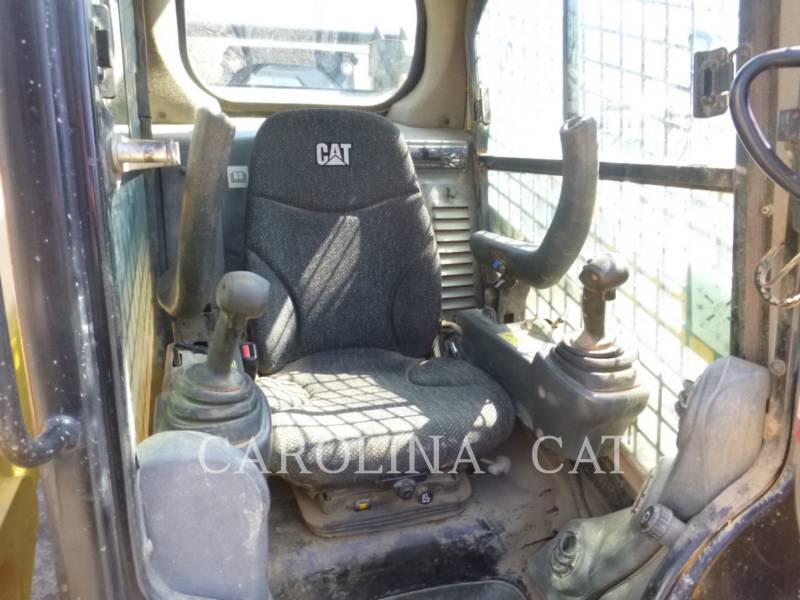 CATERPILLAR CARGADORES DE CADENAS 299D equipment  photo 5