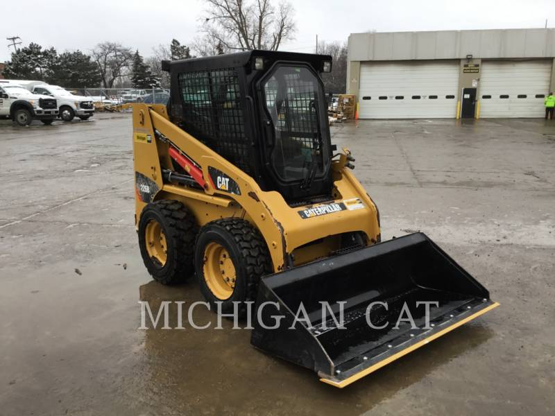 CATERPILLAR SKID STEER LOADERS 226B3 CQ equipment  photo 2