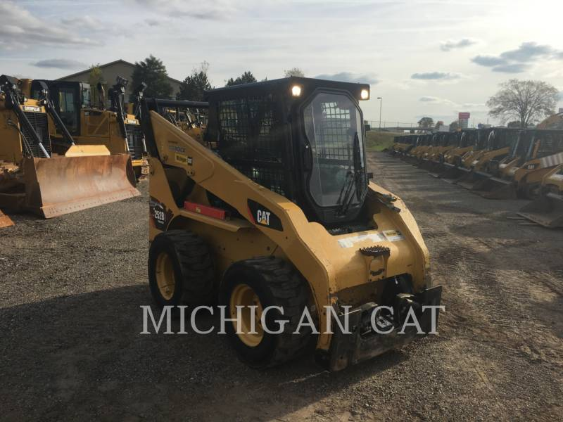 CATERPILLAR SKID STEER LOADERS 252B3 C2Q equipment  photo 2