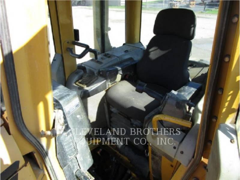 CATERPILLAR TRACK TYPE TRACTORS D6NXL equipment  photo 5