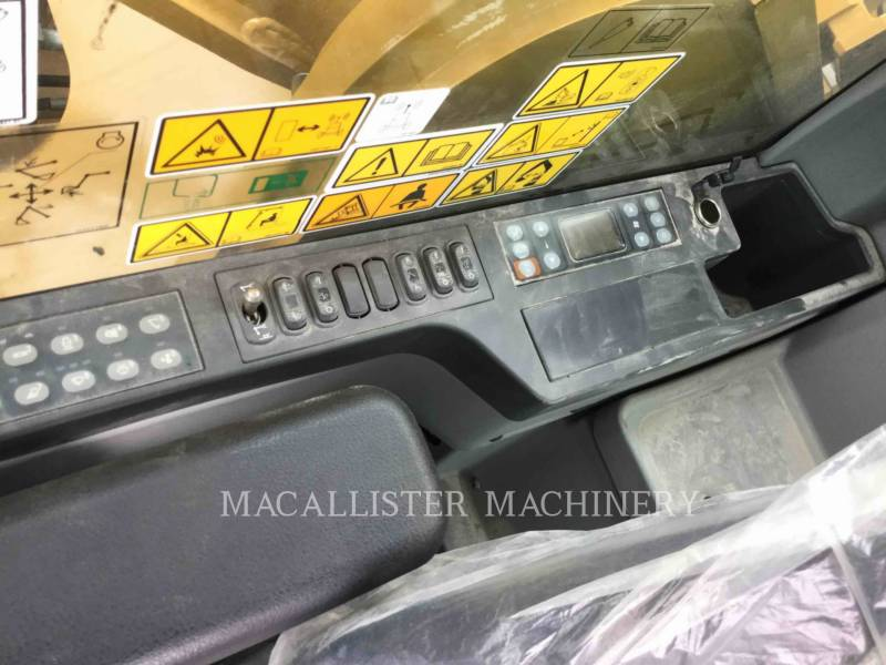 CATERPILLAR TRACK EXCAVATORS 352F equipment  photo 19