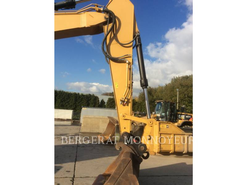 CATERPILLAR TRACK EXCAVATORS 328DLCR equipment  photo 12