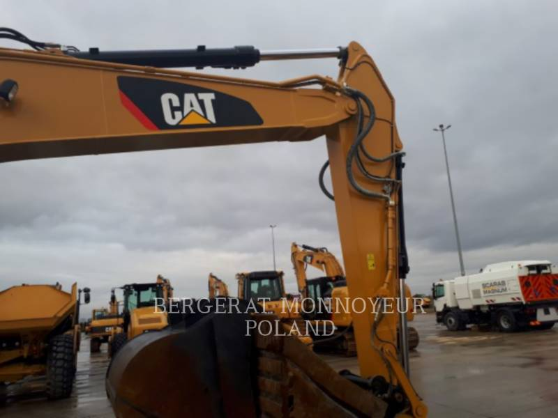 CATERPILLAR TRACK EXCAVATORS 320F L equipment  photo 7