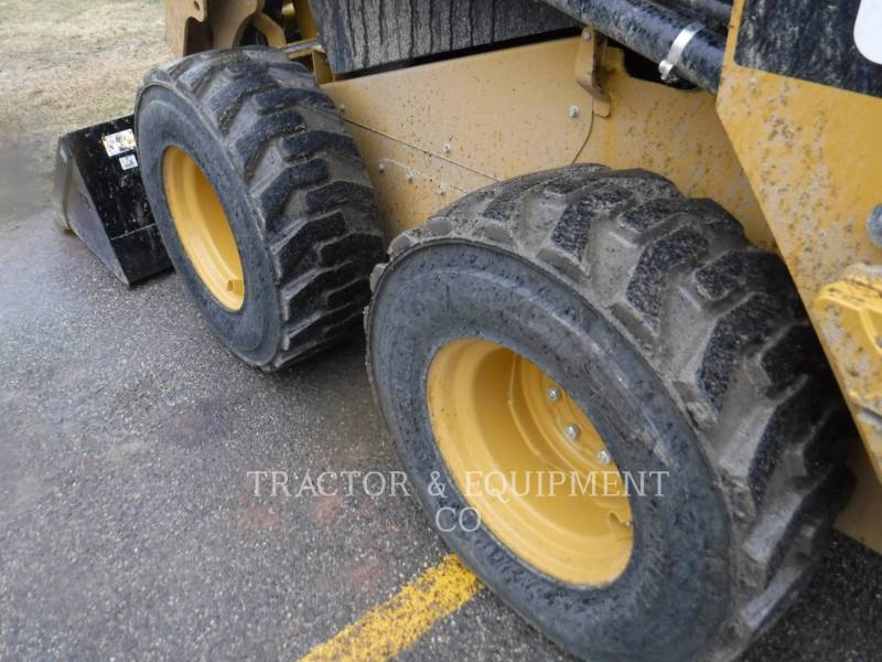 CATERPILLAR CHARGEURS COMPACTS RIGIDES 236D H2CB equipment  photo 9