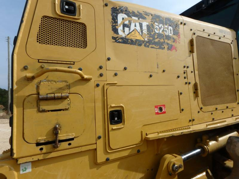CATERPILLAR EXPLOITATION FORESTIÈRE - DÉBARDEURS 525D equipment  photo 17