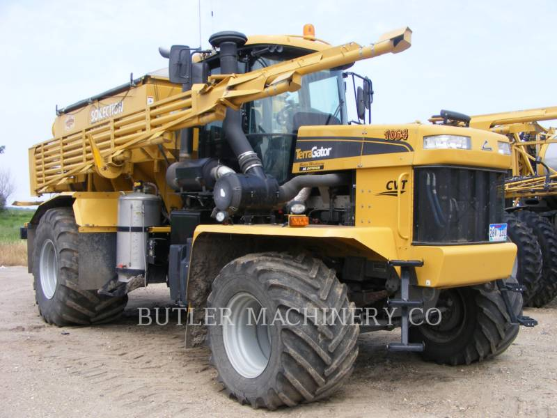 TERRA-GATOR PULVERIZADOR TG8400 equipment  photo 2