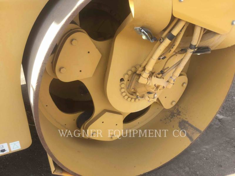 CATERPILLAR VIBRATORY DOUBLE DRUM ASPHALT CB64 equipment  photo 8