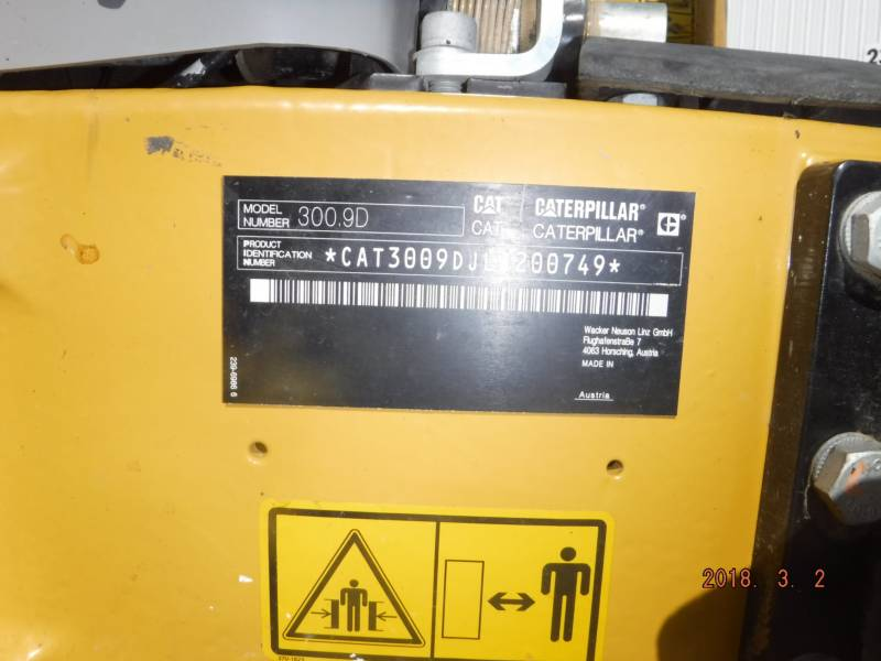 CATERPILLAR トラック油圧ショベル 300.9D equipment  photo 16