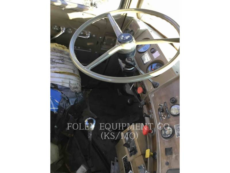 MACK CAMIONES DE CARRETER R223 equipment  photo 18