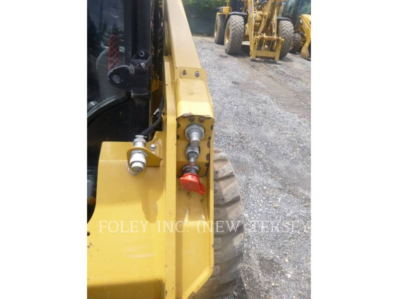 CATERPILLAR PALE COMPATTE SKID STEER 236D equipment  photo 15