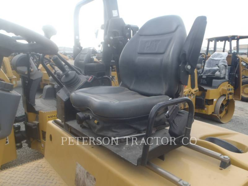 CATERPILLAR ASPHALT PAVERS CB34Q equipment  photo 5