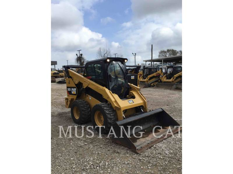 CATERPILLAR MINICARGADORAS 262D CA SF equipment  photo 2
