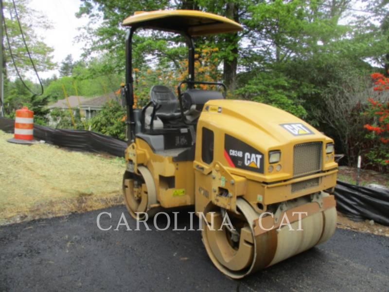 CATERPILLAR コンパクタ CB24B equipment  photo 1