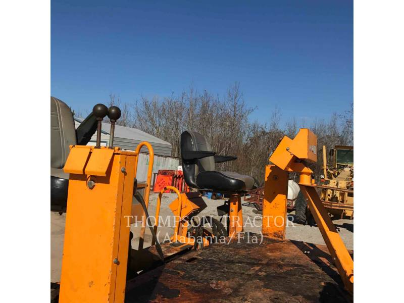 BLAW KNOX / INGERSOLL-RAND ASPHALT PAVERS PF1510 equipment  photo 9