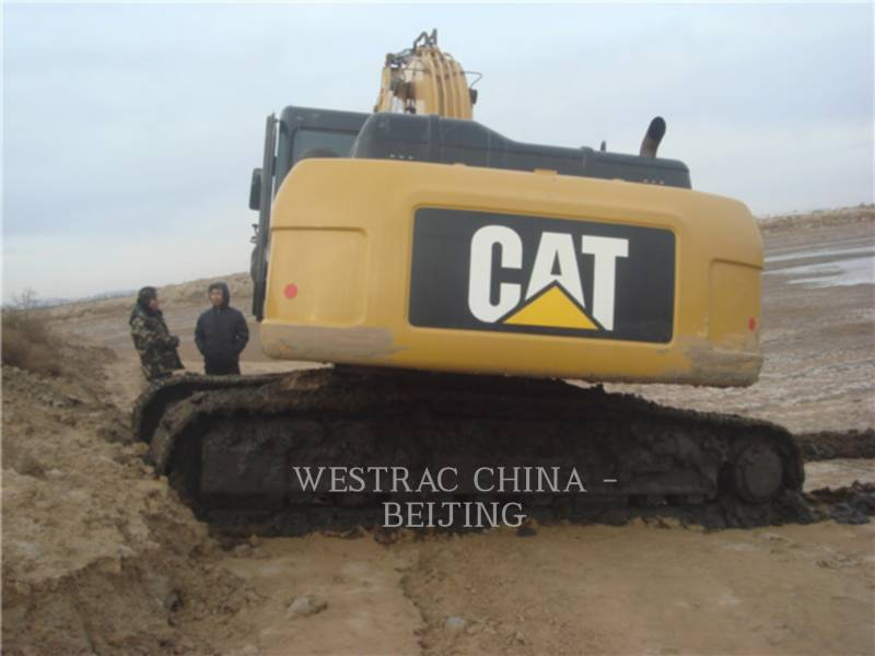 CATERPILLAR トラック油圧ショベル 326 D2 equipment  photo 13