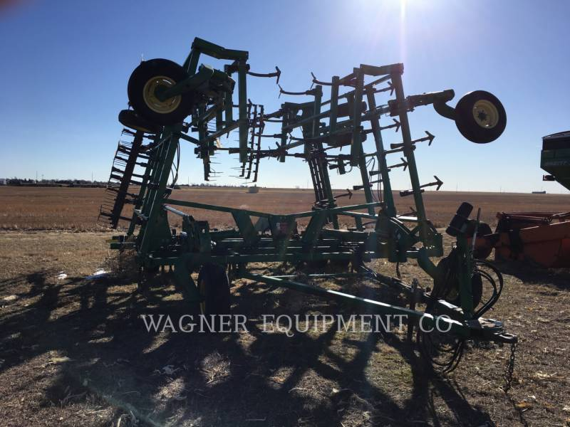 JOHN DEERE APPARECCHIATURE PER COLTIVAZIONE TERRENI 2200 equipment  photo 2
