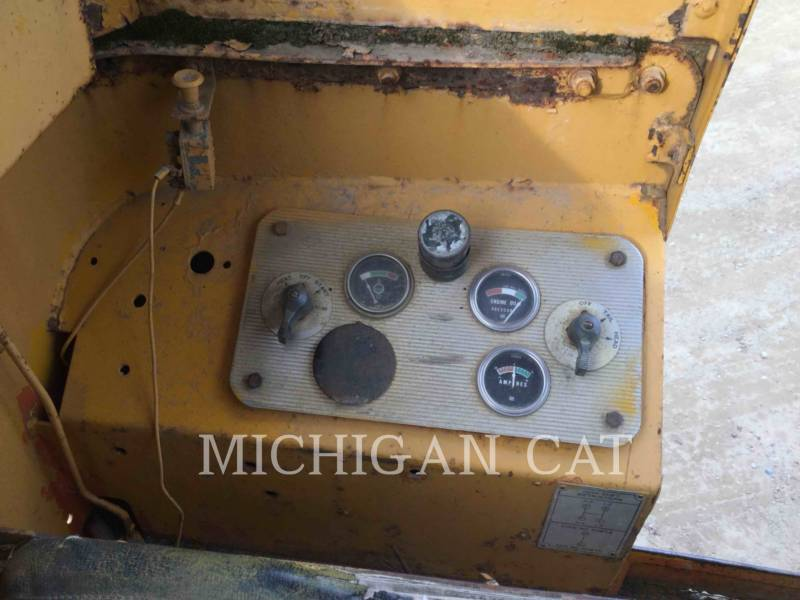 CATERPILLAR NIVELEUSES 120 equipment  photo 7