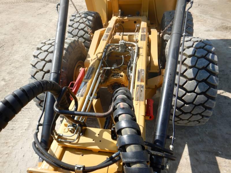 CATERPILLAR KNIKGESTUURDE TRUCKS 740 B equipment  photo 4