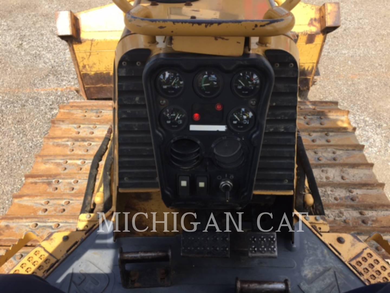 Detail photo of 2002 Caterpillar D4G from Construction Equipment Guide