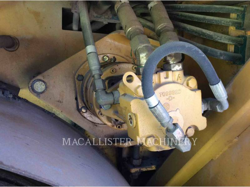 CATERPILLAR PAVIMENTADORA DE ASFALTO AP-1000D equipment  photo 9