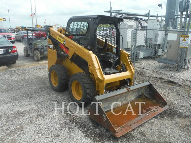 CATERPILLAR KOMPAKTLADER 232D equipment  photo 3