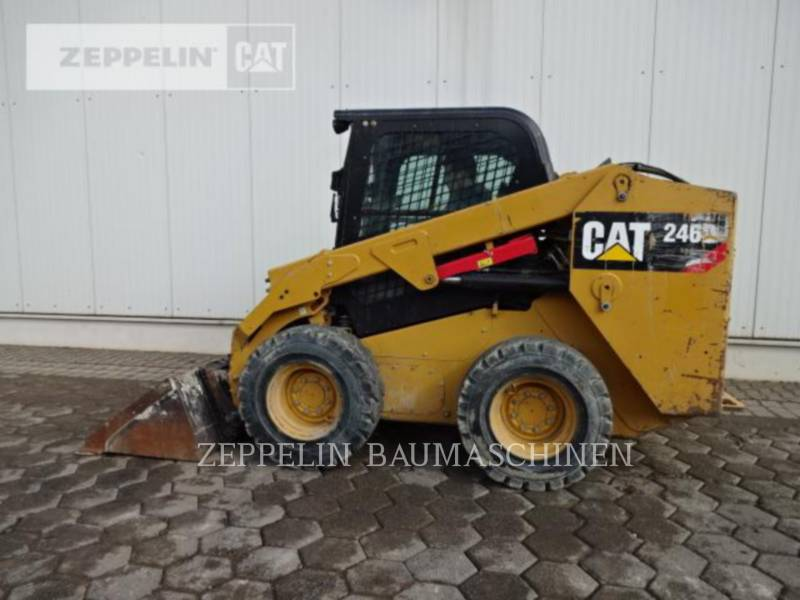 CATERPILLAR KOMPAKTLADER 246D equipment  photo 6