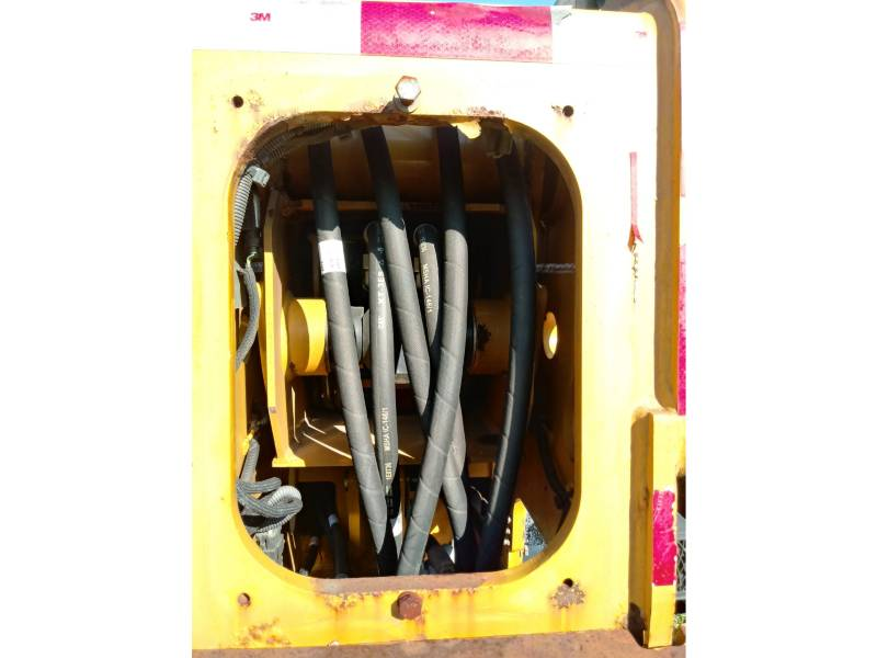 CATERPILLAR MANIPULADORES TELESCÓPICOS TH406 equipment  photo 14