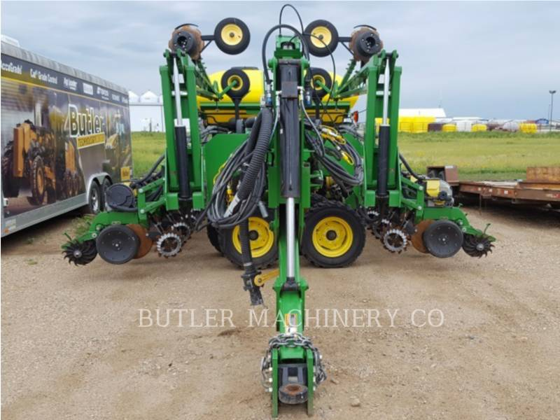 DEERE & CO. PLANTING EQUIPMENT DB60 equipment  photo 2