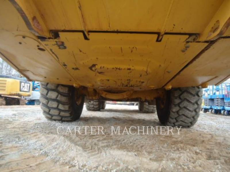 CATERPILLAR KNICKGELENKTE MULDENKIPPER 735C TG equipment  photo 8