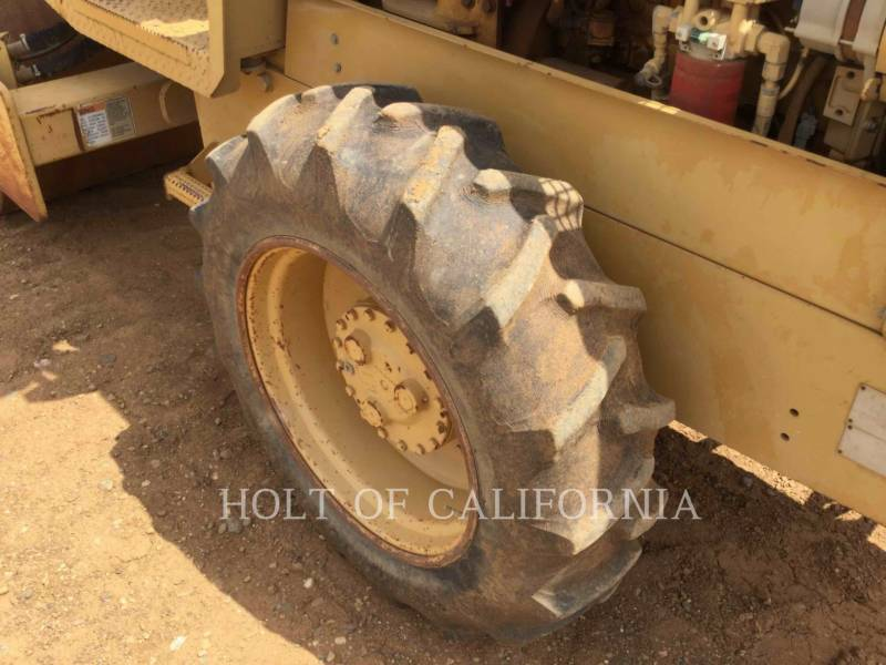 CATERPILLAR COMPACTADORES CS-323C equipment  photo 11