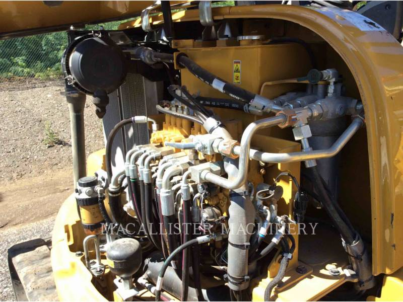 CATERPILLAR トラック油圧ショベル 305.5E2CR equipment  photo 11