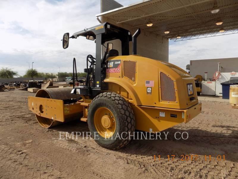 CATERPILLAR COMPACTEUR VIBRANT, MONOCYLINDRE À PIEDS DAMEURS CS44B equipment  photo 3