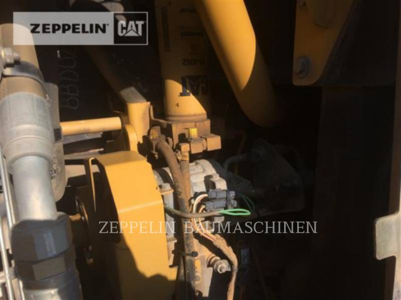 CATERPILLAR CHARGEURS SUR CHAINES 963C equipment  photo 18