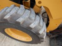 CATERPILLAR SKID STEER LOADERS 242D equipment  photo 17