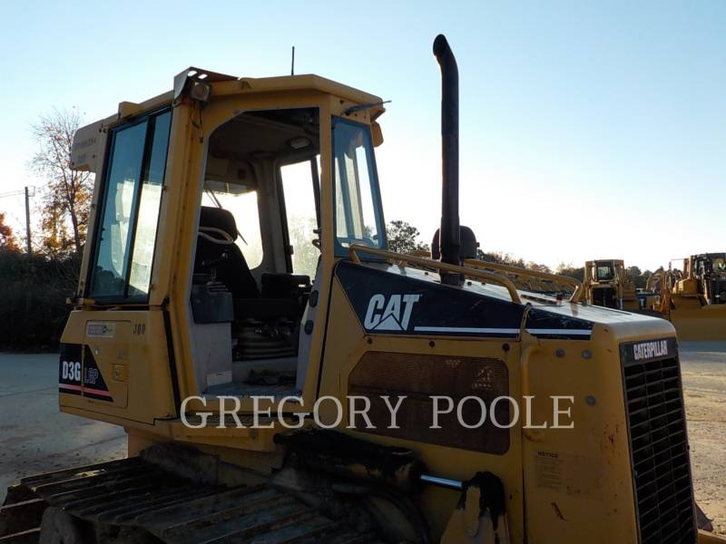 CATERPILLAR KETTENDOZER D3G equipment  photo 6