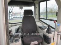 LIEBHERR TRACK TYPE TRACTORS PR734LI equipment  photo 9