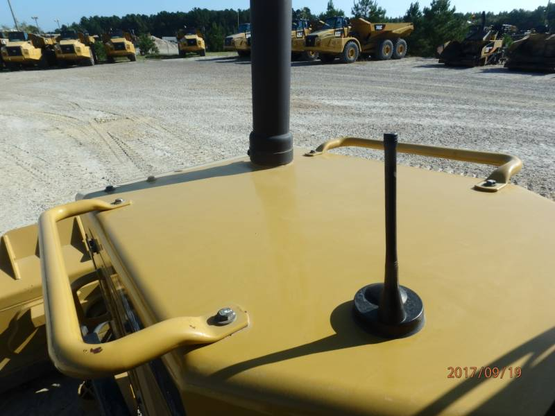 CATERPILLAR TRACK TYPE TRACTORS D6K2LGP equipment  photo 24
