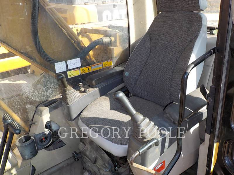 CATERPILLAR TRACK EXCAVATORS 320C L equipment  photo 24
