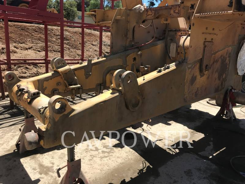 CATERPILLAR BERGBAU-KETTENDOZER D10T equipment  photo 10