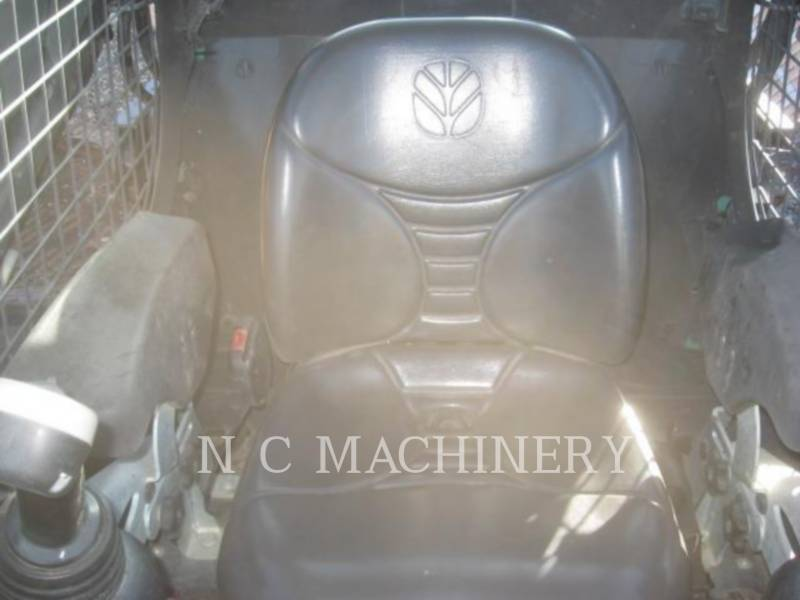 NEW HOLLAND CHARGEURS COMPACTS RIGIDES C238 equipment  photo 11