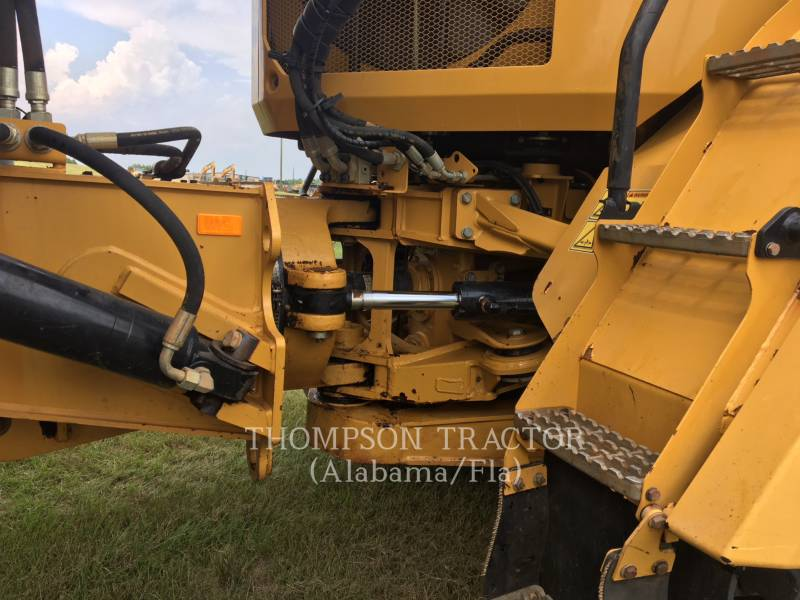 CATERPILLAR ARTICULATED TRUCKS 725C equipment  photo 15