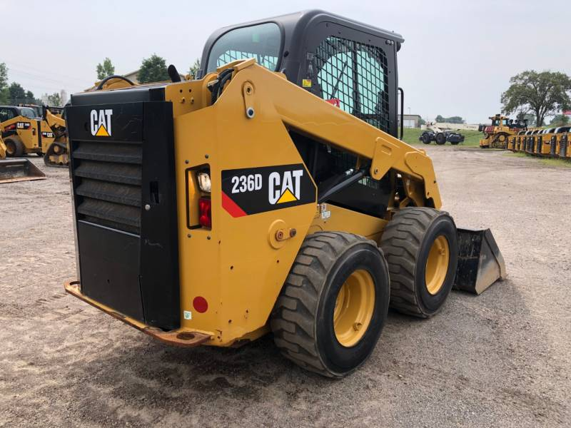 CATERPILLAR PALE COMPATTE SKID STEER 236 D equipment  photo 6
