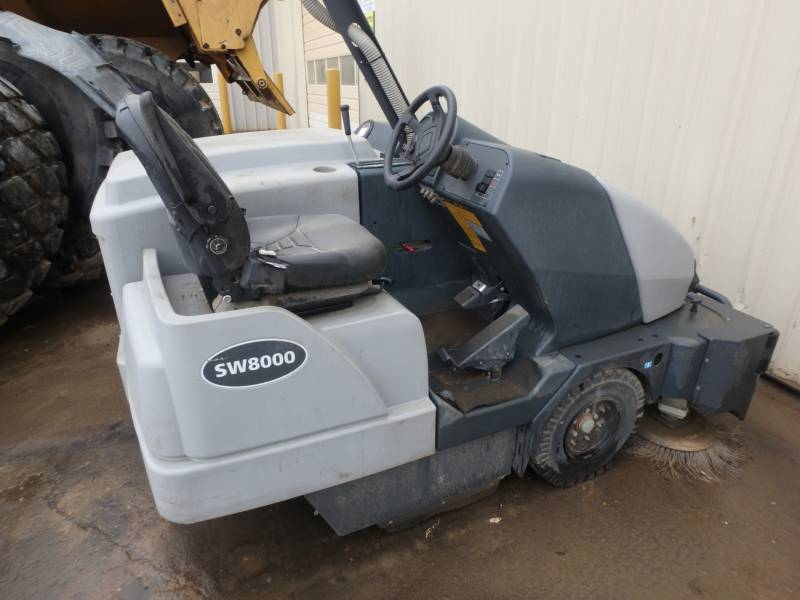 ADVANCE INDUSTRIAL SW8000 FLOOR SWEEPER equipment  photo 1