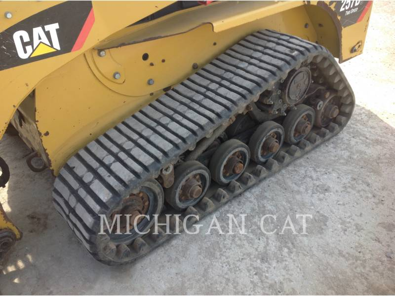 CATERPILLAR CARGADORES MULTITERRENO 257B3 A2Q equipment  photo 15
